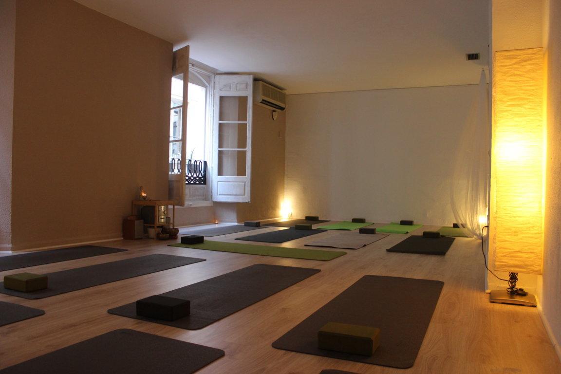 Disponibilidad de salas efecto yoga m laga - Salas de meditacion ...