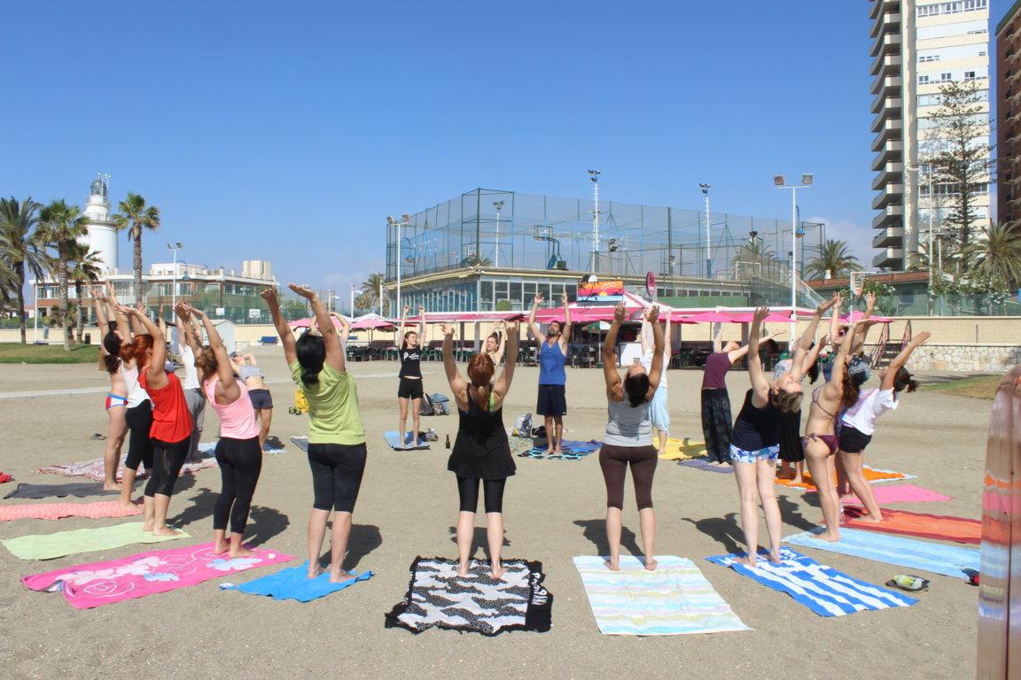 Efecto Yoga Málaga - Yoga en la playa 2015