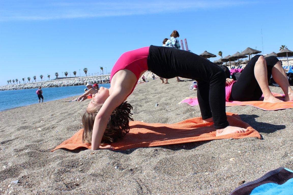 Efecto Yoga Málaga - yoga en la playa9