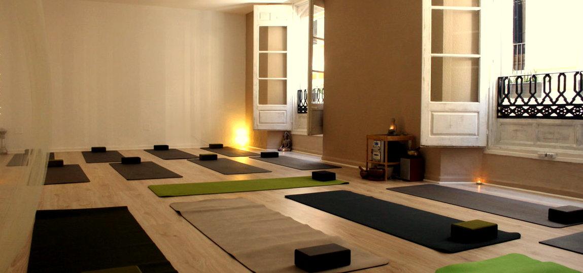 Experimenta el 'efecto yoga' en el corazón de Málaga